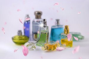 DSC_0481ac grüne parfumflasche k